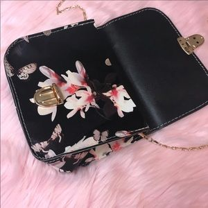 Other - Floral Butterfly Print Crossbody Chain Handle Bag